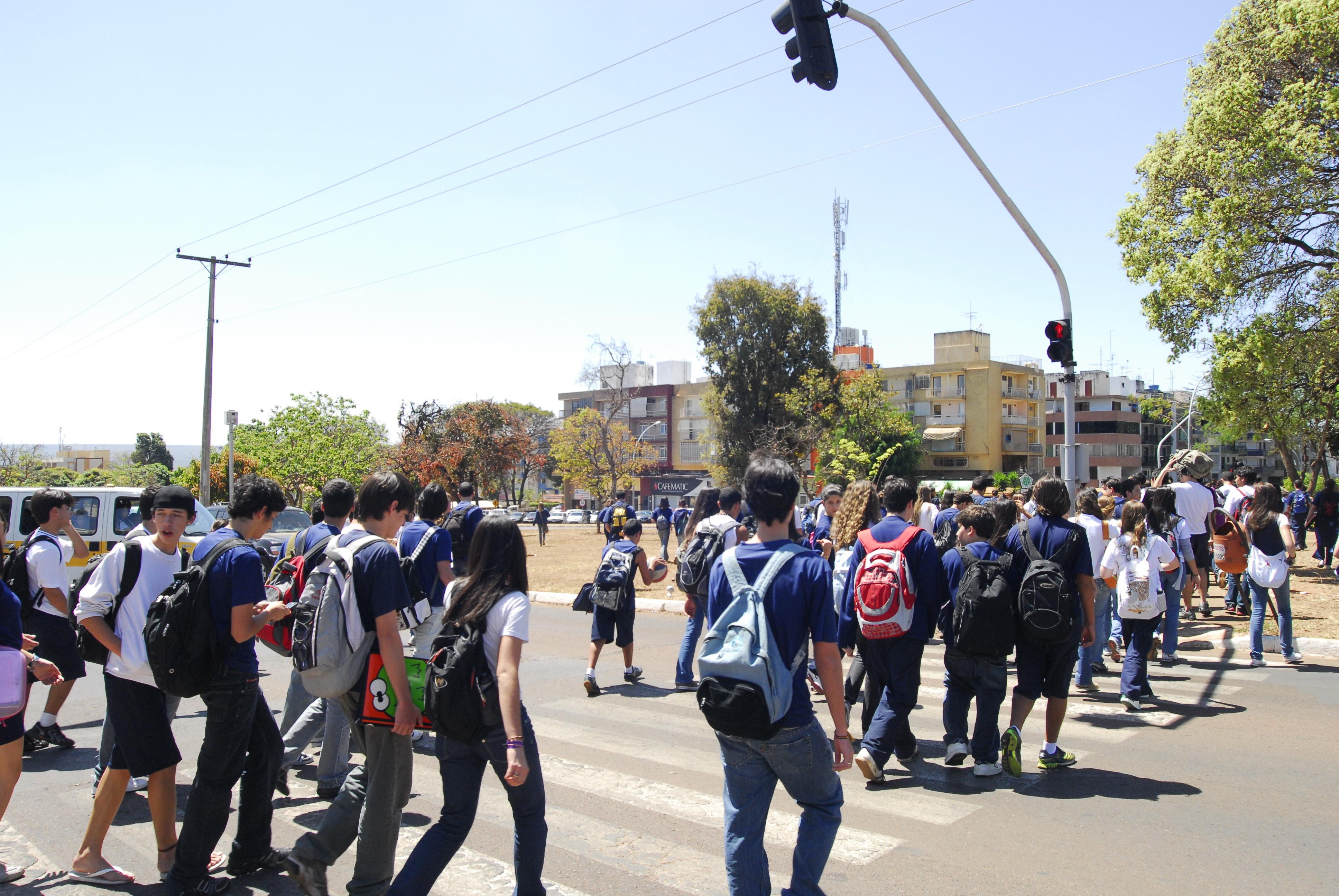 Transporte - Sinalização - Pedestres escolares