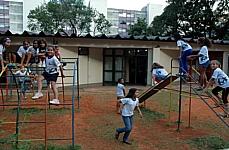 Educação - Pátio - Crianças escola