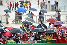 Política - Posse Dilma - Pessoas chegam para a posse de Dilma na Praça dos Três Poderes