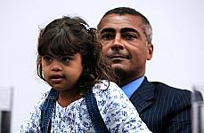 Dep. Romário (PSB-RJ) e sua filha, portadora da síndrome de down