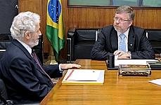 Presidente Marco Maia recebe o sr. Oded Grajew, empresário e presidente emérito do Instituto Ethos de Empresas e Responsabilidade Social