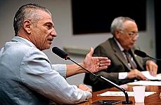 Deputados Angelo Vanhoni (PT-PR) e Gastão Vieira (PMDB-MA)