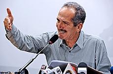 Dep. Aldo Rebelo (PCdoB-SP) participa de coletiva de imprensa, para falar sobre o novo Código Florestal