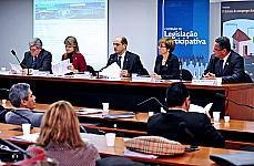 Dep. Luciano Moreira (1º Vice-Presidente da CFT), dep. Flávia Morais (membro da CTASP), dep. Vitor Paulo (presidente da CLP), min. Delaíde Alves M. Arantes (do Tribunal Superior do Trabalho - TST) e dep. Dr. Paulo César (2º Vice-Presidente da CSSF)