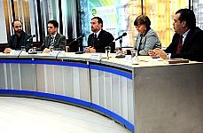 Paulo Henrique Araújo (Centro de informática da CD), prof. Wagner Meira (Universidade Federal de MG), dep. Paulo Pimenta, Sueli Navarro (secretária de Comunicação da CD), Fábio Luís Mendes (consultor legislativo)