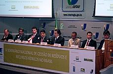 Deputado defende apoio aos municípios na gestão de resíduos sólidos