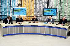 Venício Lima (prof. da UnB), dep. Emiliano José (PT-BA), dep. Luiza Erundina (PSB-SP), Guilherme Canela (coord. de informação da UNESCO no Brasil) e Andrew Puddephatt (consultor internacional da UNESCO)