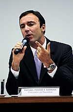 Raphael Perisse R. Barbosa  Procurador da Republica - legalização, pela Bolivia, de carros roubados no Brasil