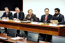 Seminário: A lei contra cibercrimes (REQ. 72/11, Luiza Erundina, Sandro Alex e Eduardo Azeredo).