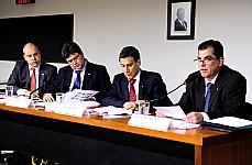 Audiência Pública. Tema: criação e atribuições do comitê de estabilidade financeira do Banco Central (Comef) e aplicação das reservas internacionais. (REQ 37/11, Vaz de Lima e Rui Palmeira; e 56/11, Rodrigo Maia)