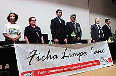 Ato comemorativo do 1º aniversário da Lei da Ficha Limpa