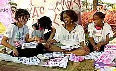 4 mulheres divulgam o movimento feminista