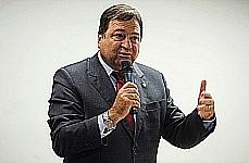 César Halum