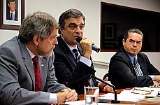 Márcio Meira (presidente da Funai), José Eduardo Cardozo (ministro da Justiça) e dep. Lira Maia (DEM-PA)
