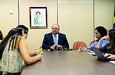 Dep. Cândido Vaccarezza (líder do governo), concede entrevista