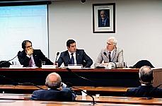 Grande Expediente - dep. Carlos Zarattini (PT-SP), dep. João Arruda ((PMDB-PR), Nicola Bonucci (Diretor Jurídico da Organização Para Cooperação e Desenvolvimento Econômico - OCDE)