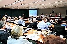 C.E. Plano Nacional de Educação (PL 8035/10) Reunião. Pauta: A meta 20, recursos e investimentos educacionais e custo aluno-qualidade (CAQ)