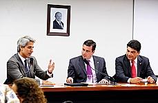 Instalação da comissão - dep. Alessandro Molon (relator), dep. João Arruda (presidente) e dep. Manoel Junior (vice-presidente)
