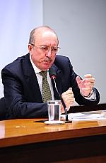 Edson Alfredo Smaniotto (representante da OAB)