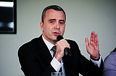 Tema: Trabalho Escravo: Vergonha Nacional. Cristiano Barreto Zaranza (representante da Confederação da Agricultura e Pecuária do Brasil-CNA)