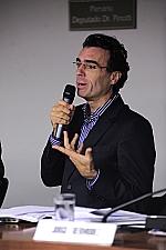 Eric Stobbaerts (diretor do Escritório Regional da Iniciativa Medicamentos para Doenças Negligenciadas)