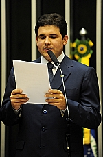 Dep. Hugo Motta (PMDB-PB relatou MP 561/2012, que trata de aumento do total dos financiamentos a produtores rurais atingidos por desastres naturais em Municípios que tiveram estado de emergência ou calamidade pública decretados