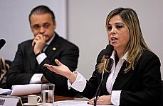Marisa Lobo (escritora e psicóloga com especialização em psicologia da sexualidade)