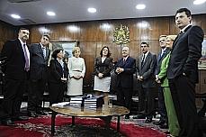 Entrega do Orçamento 2013 ao Congreso. (E/D) deputado federal Paulo Pimenta (PT-RS); senador João Ribeiro (PR-TO); ministra das Relações Institucionais, Ideli Salvatti; senadora Marta Suplicy (PT-SP); ministra do Planejamento, Miriam Belchior; presidente do Senado, José Sarney (PMDB-AP); e senador Romero Jucá (PMDB-RR), senador Waldemir Moka (PMDB-MS), senadora Ana Amélia (PP-RS), e senador Sérgio Souza (PMDB-PR).