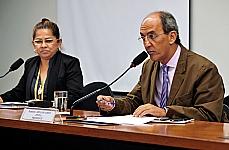 Ivanise Esperidião da Silva Santos (Presidente da MÃES DA SÉ) e dep. Arnaldo Jordy (presidente)