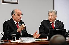 Amaro Lins (E): MEC lançaria editais para novos cursos de acordo com demanda por profissionais.