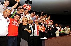 Parlamentares e vigilantes comemoram - aprovada a redação final do PL 1033/2003, que