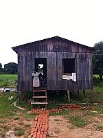 Cidades - catátrofes - Casa no Bairro Taquari, um dos primeiros a ser atingidos pela cheia do rio Acre