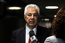 Lider do governo Arlindo Chinaglia fala sobre tema discutido na reunião da base aliada