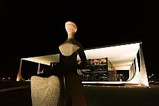 STF Supremo Justiça fachada noturna