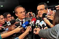 Entrevista com o presidente Henrique Eduardo Alves e o senador Renan Calheiros, presidente do Senado