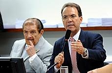 Presidente da CCJC, dep. Décio Lima (PT-SC) conduz reunião ordinária