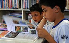 Educação - biblioteca infantil livro leitura