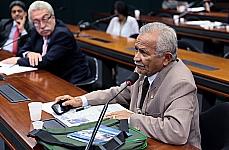 Reunião de debates sobre o desnível entre as regiões brasileiras na área de Ciência, Tecnologia e Inovação. Dep. Chico Leite (PCdoB-CE)