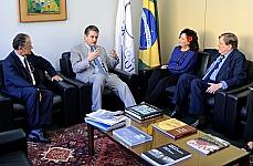 Reunião do colegiado com (2º à esq.) diretor eleito da Organização Mundial do Comércio (OMC), embaixador Roberto Azevêdo