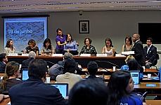 Audiência Pública para discutir a educação da pessoa com autismo e comemoração ao Dia Mundial do Orgulho Autista