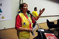Audiência pública para discutir questões relacionadas à regulamentação da Emenda Constitucional 63, que trata da criação do Piso Salarial Nacional e as Diretrizes do Plano de Carreira dos Profissionais Agentes Comunitários de Saúde e Agentes de Combates às Endemias. Presidente da Confederação Nacional dos Agentes Comunitários de Saúde, Ruth Brilhante