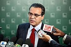 Presidente da Câmara, dep. Henrique Eduardo Alves (PMDB-RN) fala sobre a decisão do Supremo Tribunal Federal (STF) a respeito do dep. Natan Donadon (PMDB-RO)
