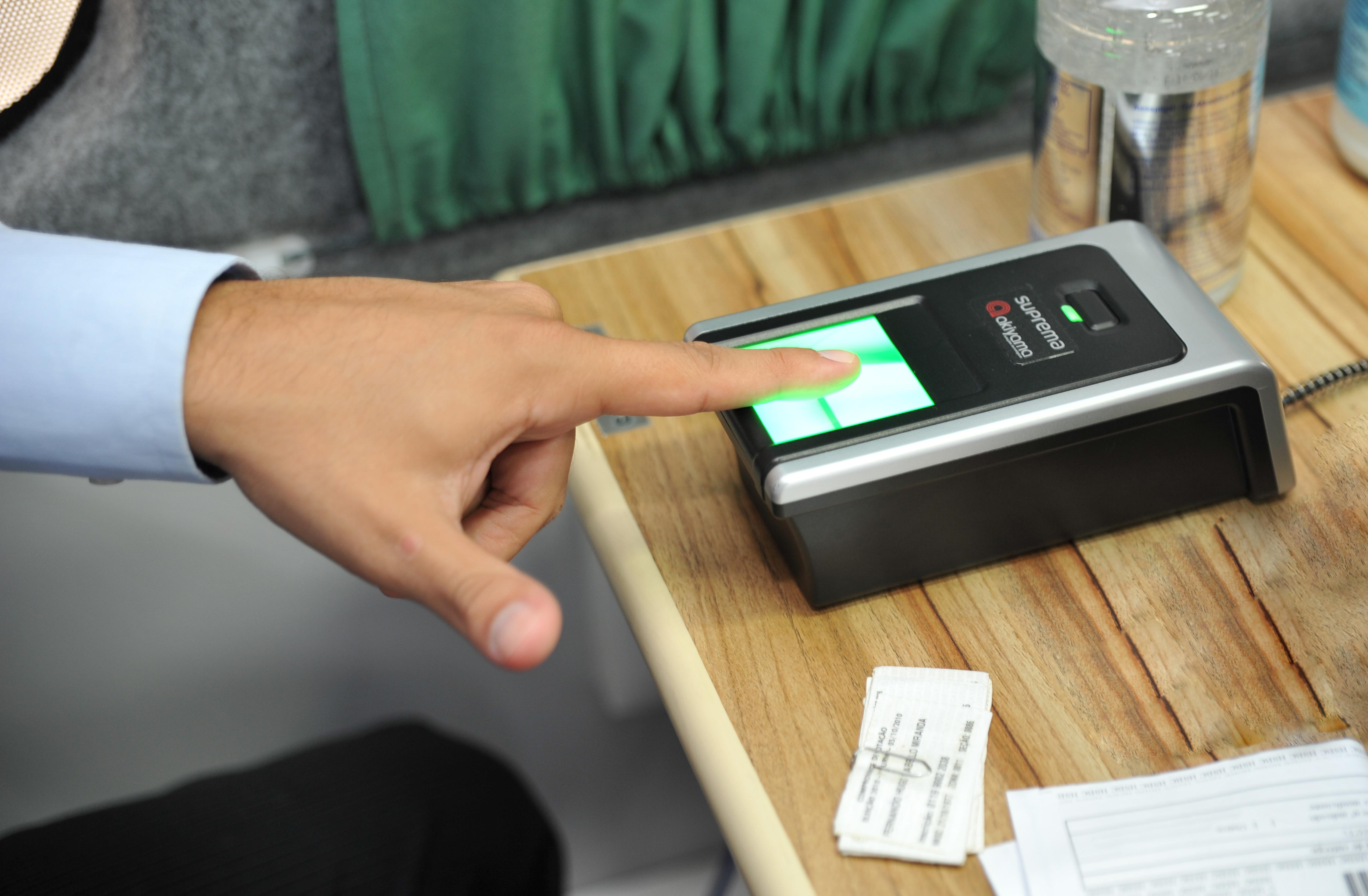 Posto móvel do Tribunal Regional Eleitoral (TRE) realiza evento para cadastramento biométrico de servidores do Congresso Nacional
