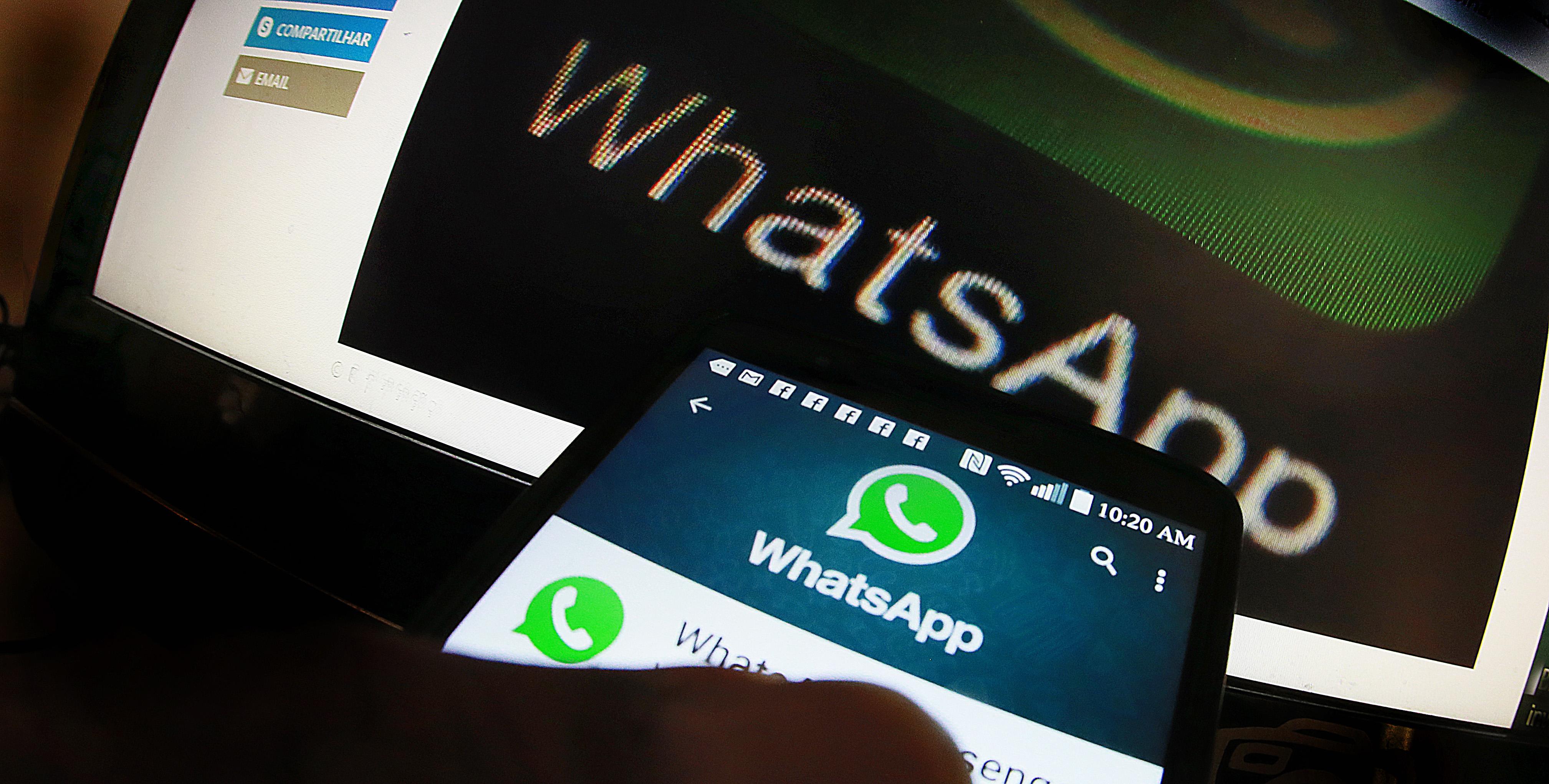 Comunicação - internet aplicativo bate-papo whatsapp redes sociais