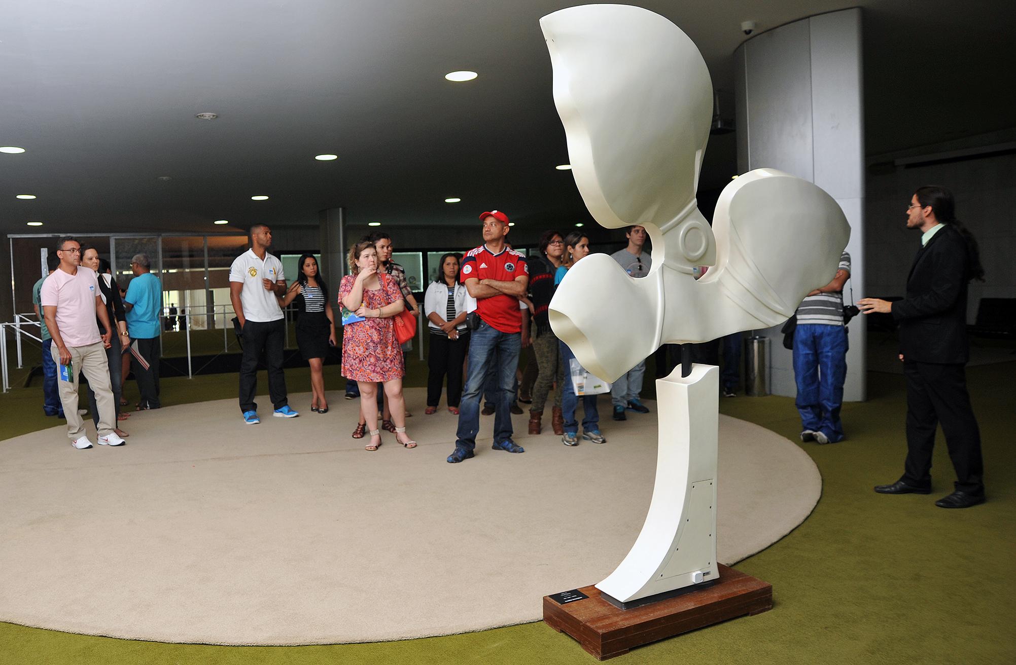 Turismo - Brasil - Brasília visitação Congresso Nacional Câmara deputados cívico turistas
