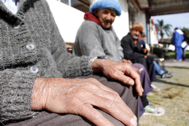Direitos Humanos - idoso - terceira idade doenças saúde asilos solidão idosos velhice