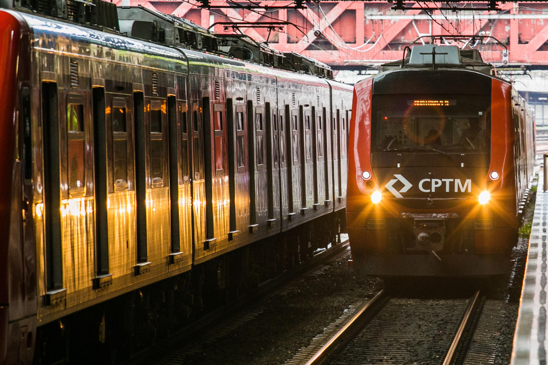 Transporte - trens - trilhos vagões linha férrea mobilidade urbana estações