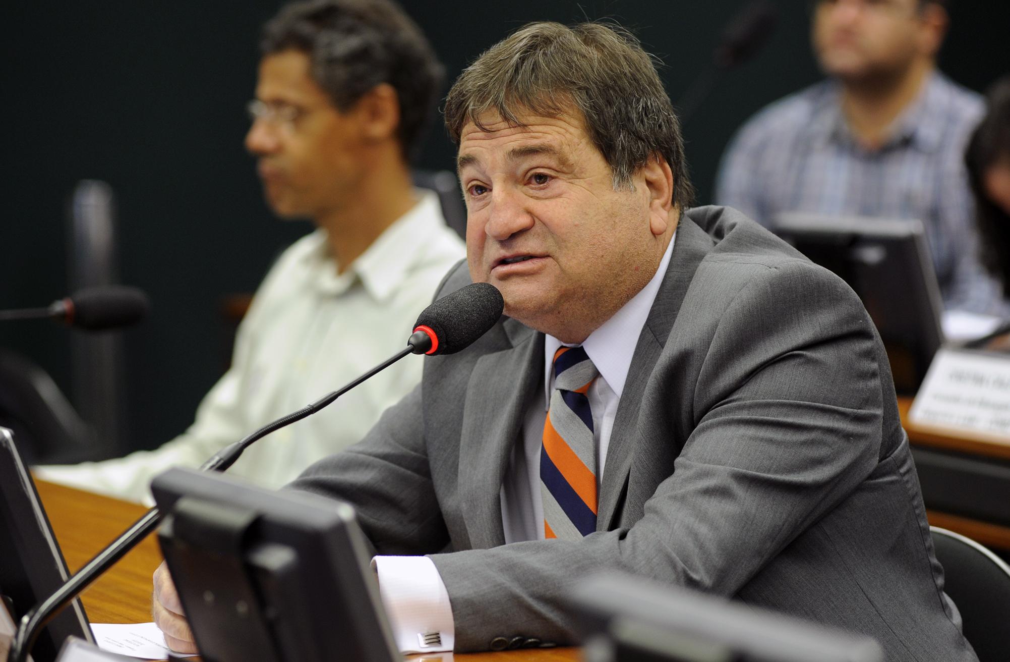 Subcomissão Especial do Plano Nacional do Desporto  Mesa Redonda: A terceira etapa da proposta do Plano Nacional do Desporto. Dep. César Halum (PRB - TO)