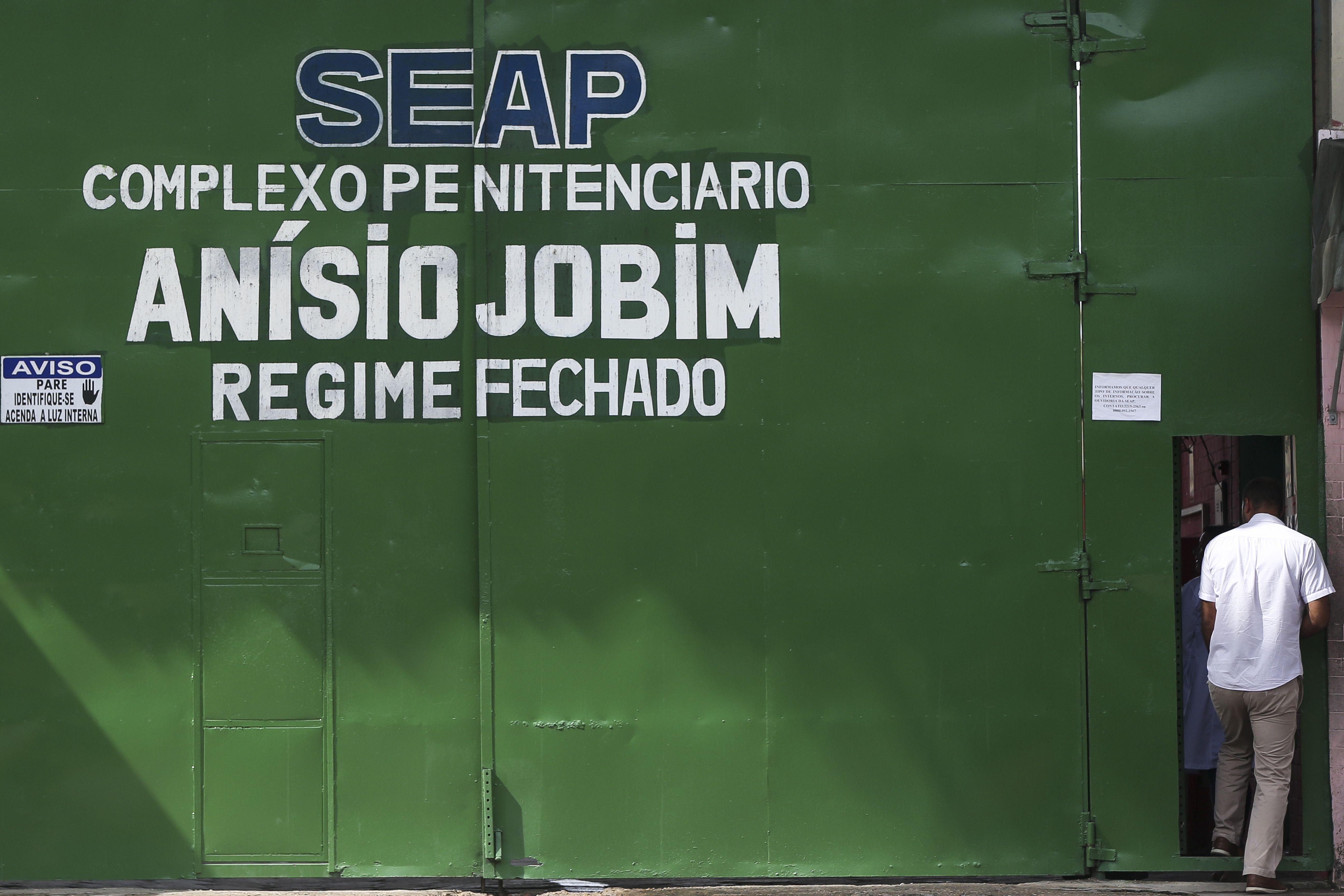 Segurança - presídio - penitenciárias cadeias Anísio Jobim Manaus prisão rebelião crise carcerária penitenciária familiares