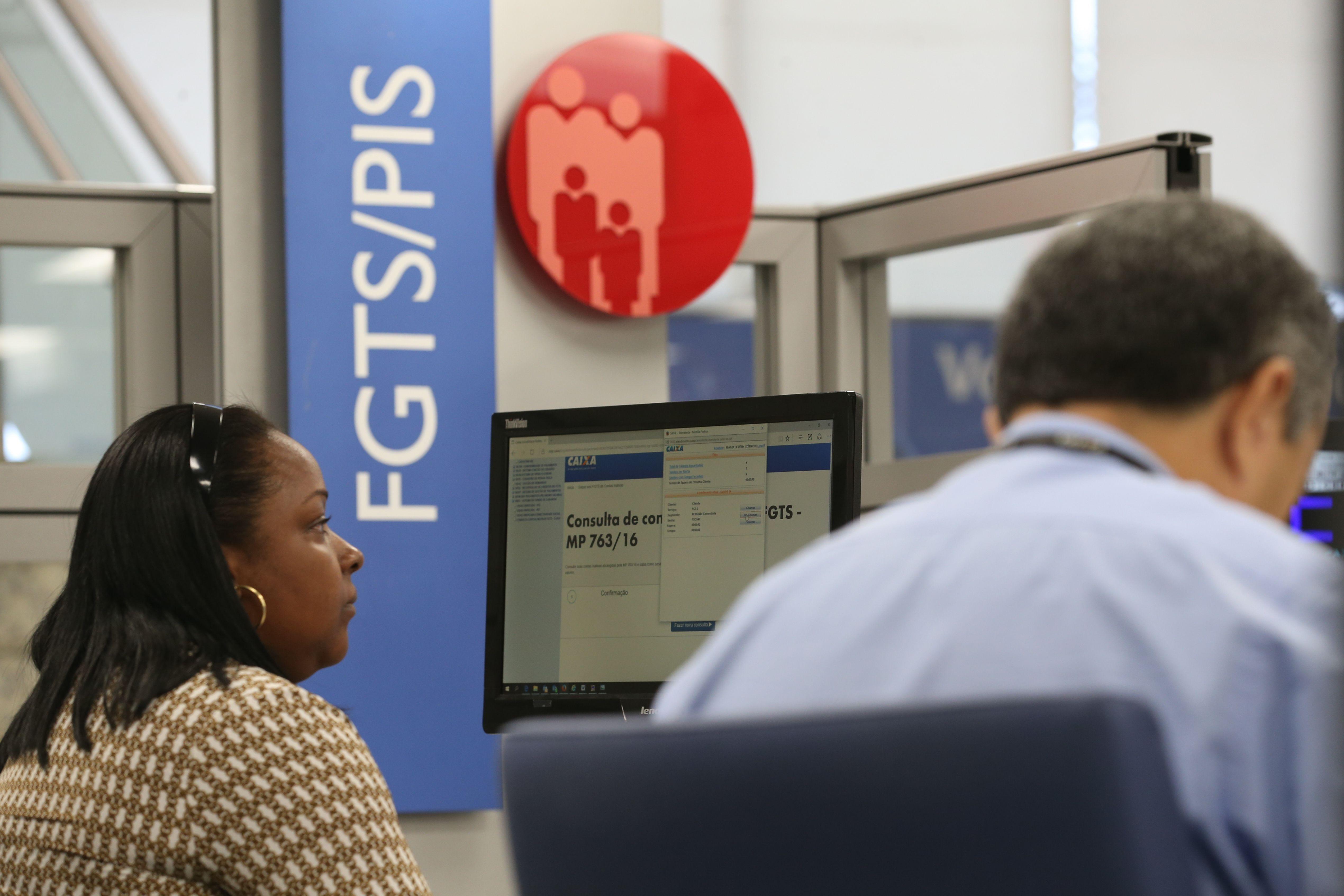 Trabalho - geral - FGTS contas inativas Caixa Econômica Federal trabalhador saldo
